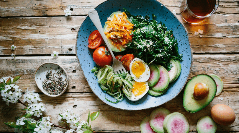 What does a holistic nutritionist do-1